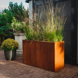 Lilly: plantekasse i Cor-Ten stål (Størrelse: 110 x 37 x 65 cm)