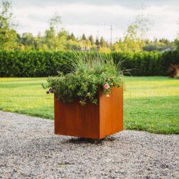 Ulla XL: plantekasse i Cor-Ten stål (Størrelse: 60 x 60 x 70 cm)